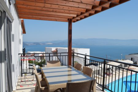 IN BODRUM, 2 BEDROOMS FLAT WITH SEA-VIEW