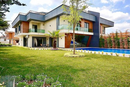 7 BEDROOMS WITH PRIVATE POOL, ISTANBUL VILLA